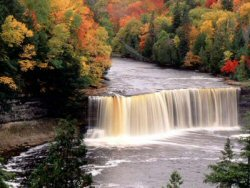 Photo-Tahquamenon Falls-250x188