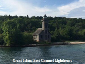 Grand Island Lighthouse - 300 x 225